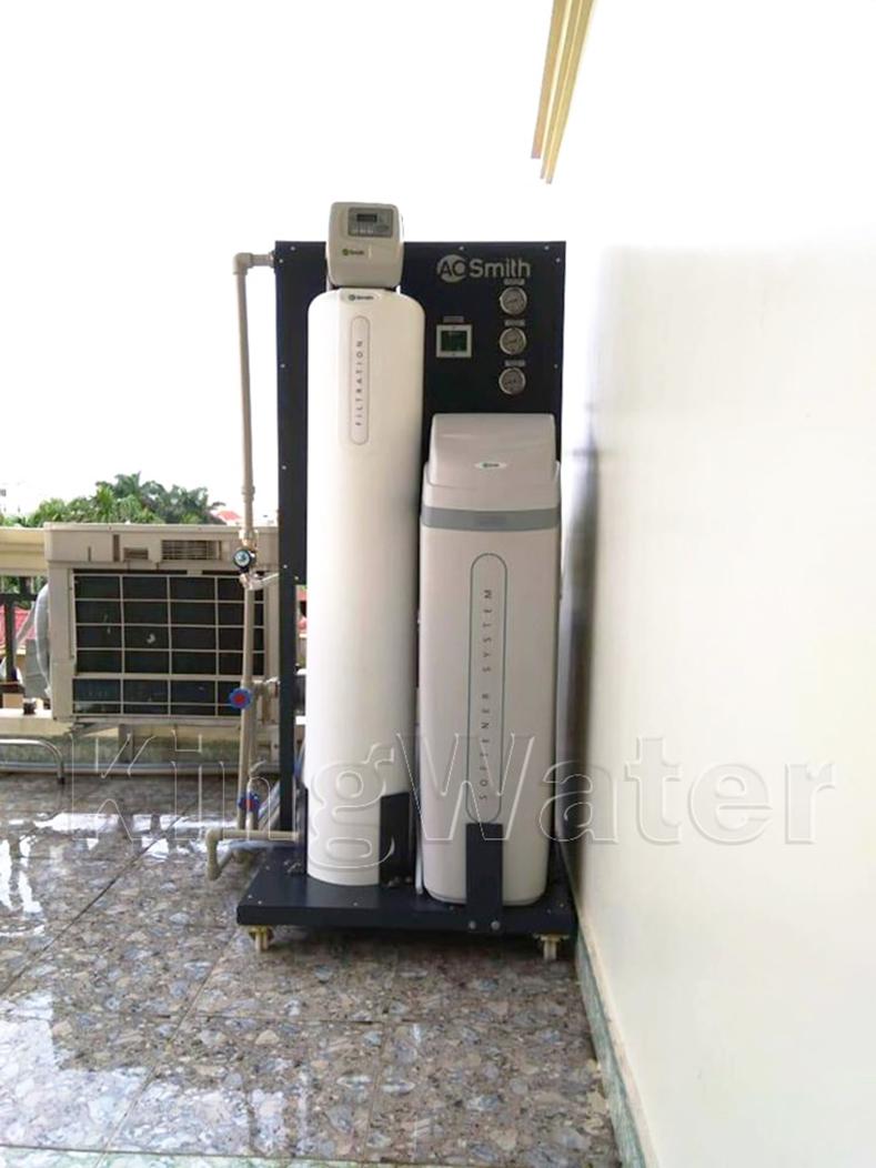 Quá trình lắp đặt hệ thống lọc nước tổng đầu nguồn AoSmith LS03U